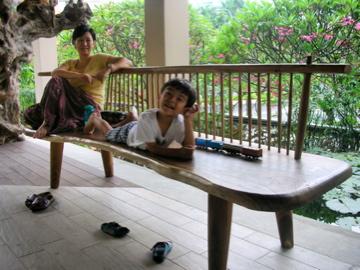 Naoko Zen bench