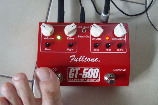 My Fulltone GT-500, my hairy toe.
