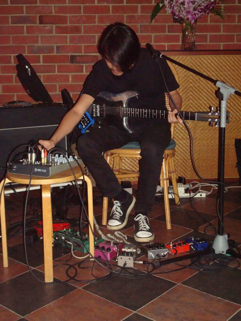 Leslie Low on guitar/effects