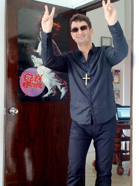 Me 'n' my cross 'n'  my Ozzy poster (part 1)