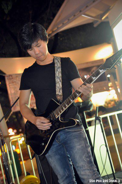 Supertzar, live in Singapore, October 21st 2011, James