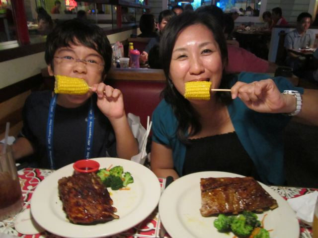 Naoko 'n' Zen's awesome ribs (and corn)