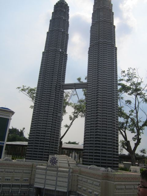 mini Lego Petronas Towers